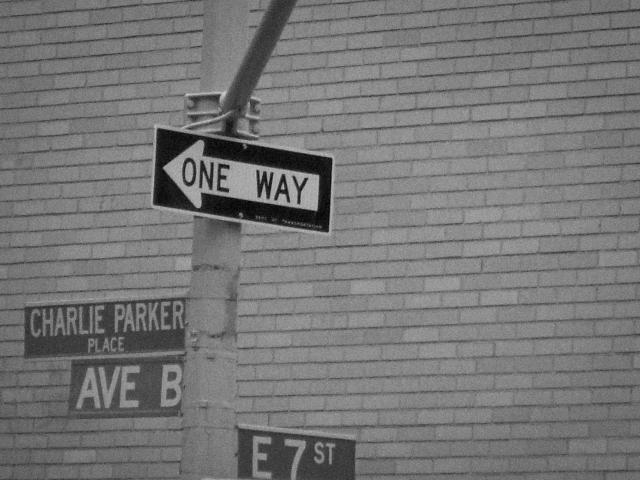 アメリカ生活イメージ道路標識の写真